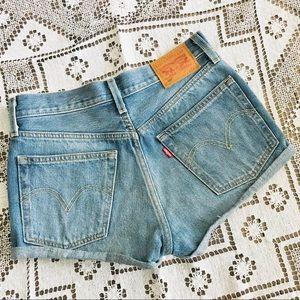 Levi's 501 denim jean cutoff shorts size 25